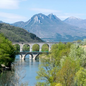 Montagne de l'Ubac over the Pont du Buech