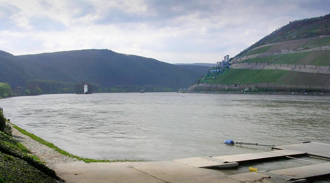Binger Loch and the Mausethurm with Burg Ehrenfels from the quay at Bingen Photograph by David Hill, 20 April 2006, 16.10 It is only on this line of sight that Ehrenfels can appear both in profile and silhouetted. Click on image to open full size