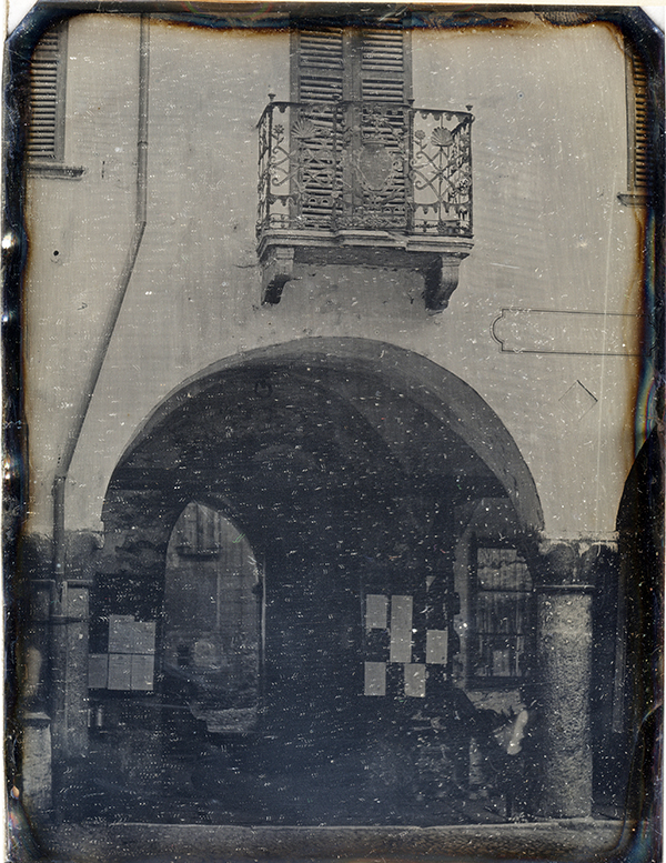 Frederick Crawley for John Ruskin. The Balcony of the Old Palazzo Civico in the Piazza Nosetto, Bellinzona. Called 'An arcade at Bellinzona', 1858 Daguerreotype Ruskin Library, University of Lancaster, RF Dag 112 Photograph by courtesy of the Ruskin Library, University of Lancaster.