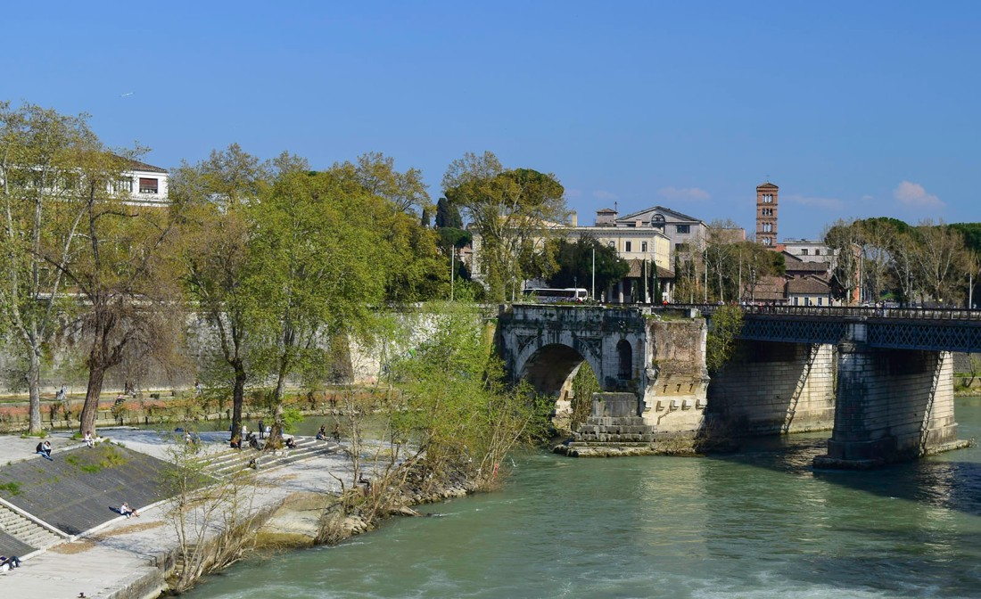 The Ponte Rotto from the Ponte Cestio, Rome Photograph by David Hill, taken 12 April 2015, 15.00 GMT Click on image to enlarge
