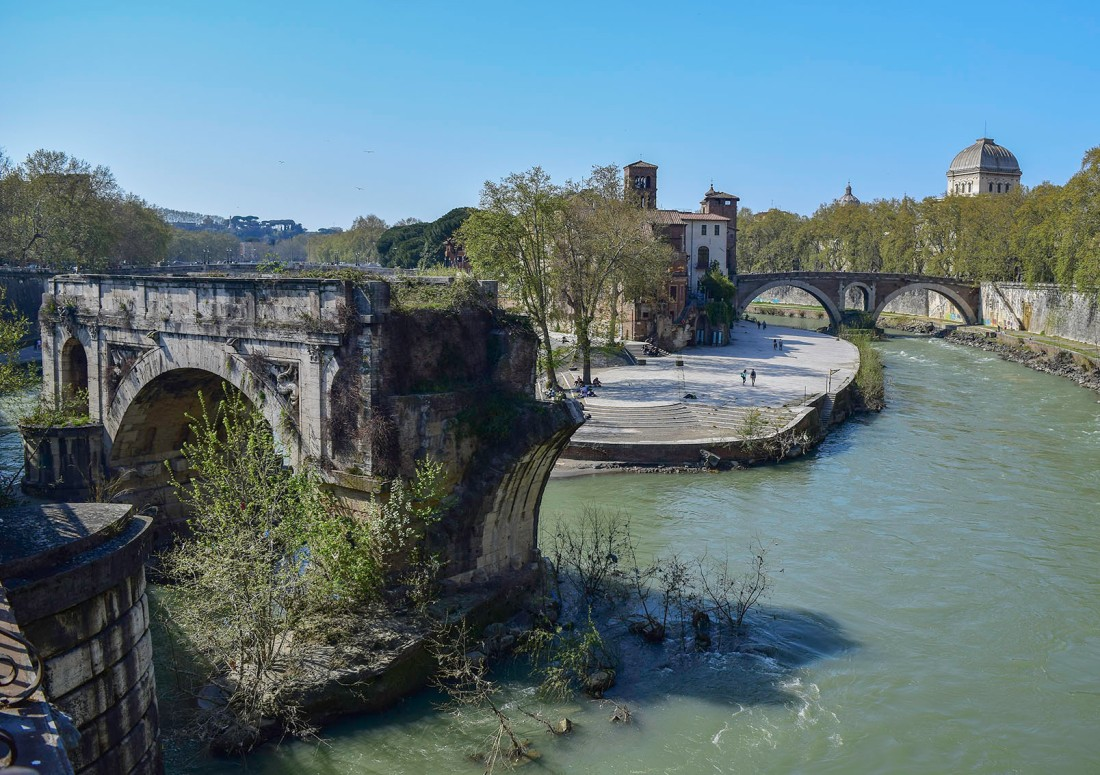 The Ponte Rotto, Rome Photograph by David Hill, taken 12 April 2015, 14.44 GMT Originally built in the 2nd C B.C., the Ponte Emilio was repeatedly damaged by floods, and in Turner's day, only three arches remained stretching half way across the river. Now there is only one arch, curiously marooned in mid-stream. Click on image to enlarge.