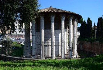 The Temple of Hercules Victor, Rome Photograph by David Hill taken 12 April 2015, 14.42 GMT This circular temple is a landmark in many of Turner's sketches in the Aventine area. In Turner's day (and until recent years) it was called the 'Temple of Vesta', and was depicted by very many artists as an archetypal Roman structure. Today it is stranded on an island between half a dozen lanes of streaming traffic.