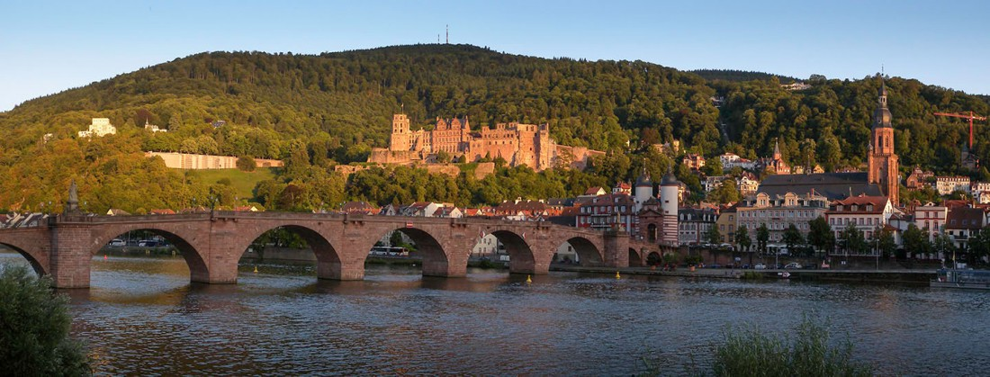 Heidelberg Bridge, Castle and Heileggeistkirche Photograph by David Hill taken 25 August 2015, 17.51 GMT Turner probably spent his first full day, as I did, exploring the castle precincts, and the second day exploring the views of the town and castle from the shores of the Neckar across the bridge. He began with a careful study of the bridge, castle and church, across two pages of his sketchbook before systematically exploring the shore at intervals both down and upstream.