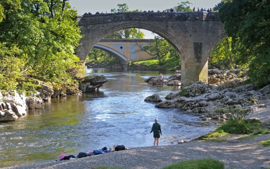 On the shingle at Kirkby Lonsdale Photograph by David Hill, taken 12 May 2009, 14.40 GMT