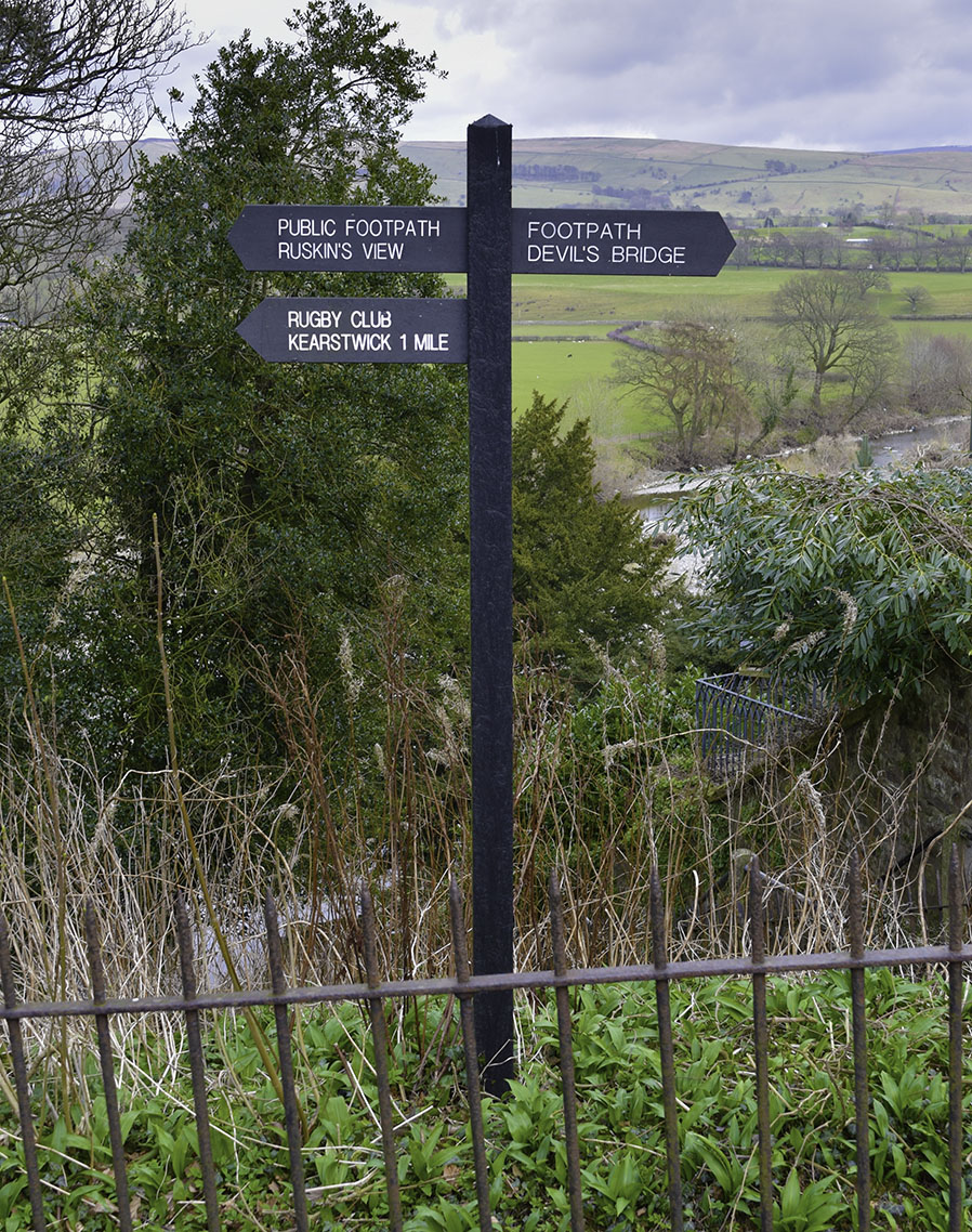 Signpost to Ruskin's View Photograph by David Hill taken 21 March 2016, 15.36 GMT