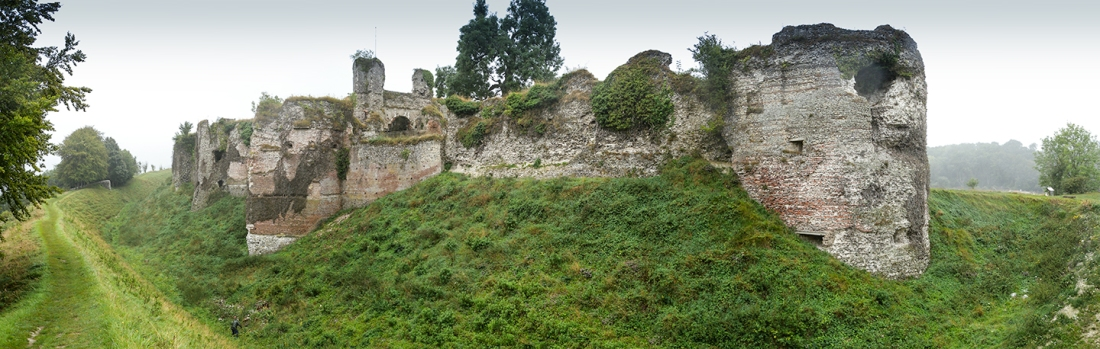 Castle of Arques la Bataille, the east range from the north-east corner Photograph by David Hill, taken 5 September 2016, 13.04 GMT