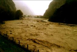 http://www.meteoweb.eu/2011/11/diario-delle-alluvioni-dellautunno-2000-tra-calabria-e-valle-daosta/97552/